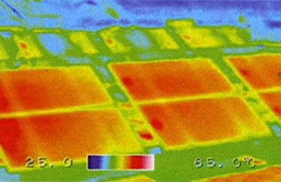 太陽光パネルモジュールの熱管理問題